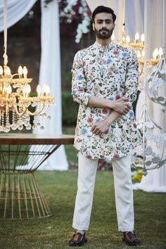 Mens Wedding Wear Indian, Wedding Dresses Men Indian, Indian Groom Wear, Wedding Dress Men, Wedding Men, Wedding Suits, Men Kurta Wedding, Punjabi Wedding, Indian Weddings