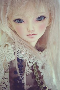 I would love to look like a doll