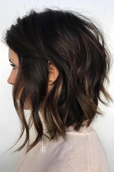 Inverted Choppy Lob ❤️ A choppy bob haircut is the needed answer to all thick and thin questions! The advantages of this bob are countless, so if you're looking for styling changes, you've come t Choppy Bob Haircuts, Haircuts For Wavy Hair, Short Bob Hairstyles, Hairstyles Haircuts, Choppy Lob, Medium Choppy Bob, Medium Inverted Bob, Latest Hairstyles, Long Bob Haircuts With Layers