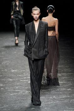 Haider Ackermann - Smokingt Addiction - > http://www.elle.it/Moda/Shopping/Easy-chic/trend-primavera-estate-2013-smoking-da-donna
