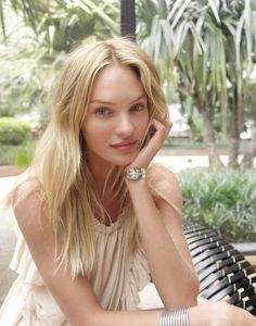 Candice Swanepoel w/o makeup.
