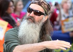 Duck man Phil Robertson's Bible cannot limit American liberty - http://news54.barryfenner.info/duck-man-phil-robertsons-bible-cannot-limit-american-liberty/