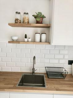 Nordic Kitchen, Home Decor Kitchen, Home Kitchens, Kitchen Dining, Modern Kitchen Design, Interior Design Kitchen, Diy Kitchen Storage, Kitchen Remodel, Sweet Home