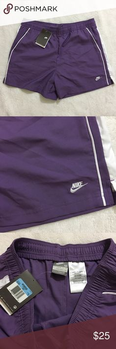 NWT Nike dri fit loose shorts with pockets Loose fit  Two front pockets  New with tags  Size M No canopy lining Nike Shorts