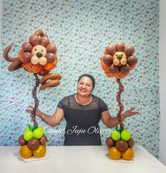 Balloon Table Decorations, Jungle Decorations, Balloon Centerpieces, Balloon Ideas, Jungle Theme Parties, Safari Birthday Party, Jungle Party, Twin Boy And Girl Baby Shower, Jungle Balloons