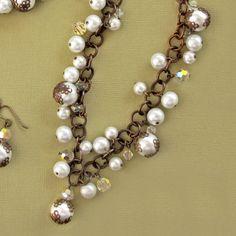 Vintage pearl necklace...so cute!