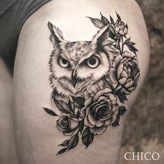 """CHICO"" #owl #owltattoo #finelinetattoo #etching #engravingtattoo #blackworktattoo #lyontattoo #lyontattooshop #inkatattoolyon… Owl Tattoo Back, Owl Tattoo Small, Tattoo Owl, Ribbon Tattoos, Rose Tattoos, Body Art Tattoos, Bird Tattoos, Owl Tattoo Design, Tattoo Designs Men"