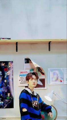 Kpop Exo, Exo K, Luhan, Baekhyun Wallpaper, Exo Group, Teen Celebrities, Korean People, Blue Aesthetic, Aesthetic Photo