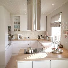 27 Kitchen Remodel Ideas On A Budget Kitchen Room Design, Small Space Kitchen, Open Plan Kitchen, Modern Kitchen Design, Home Decor Kitchen, Kitchen Living, Kitchen Interior, Home Kitchens, Kitchen Ideas