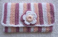 Ravelry: Crochet Hook Case pattern by Sally V. Crochet Book Cover, Crochet Hook Case, Crochet Books, Crochet Gifts, Crochet Organizer, Modern Crochet Patterns, Crochet Market Bag, Crochet Purses, Crochet Videos