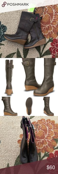 CROCS - Espresso & Walnut A-Leigh Leather Boot Iconic Crocs Comfort™ provides original Croslite™ foam cushioning Product Details  2.25'' heel 13.25'' shaft 16'' circumference Side zipper closure Relaxed fit Leather upper Textile lining Croslite™ footbed Traction rubber sole CROCS Shoes Winter & Rain Boots