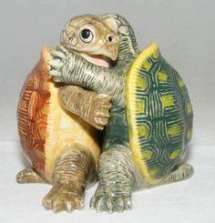 Amazon.com: SALT and PEPPER Shaker Green SEA TURTLE hugs ...