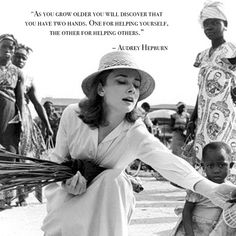 Audrey Hepburn in the Belgian Congo, Photo by Leo Fuchs. Audrey Hepburn Outfit, Audrey Hepburn Unicef, Audrey Hepburn Pictures, Aubrey Hepburn, Citations Audrey Hepburn, Grace Kelly, I Love Fashion, Sweet Fashion, Fashion Story