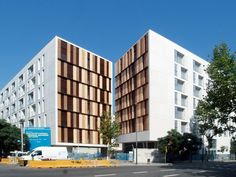 154 Rental Social Housing and Public Building for the Barcelona Municipal Housing / ONL Arquitectura