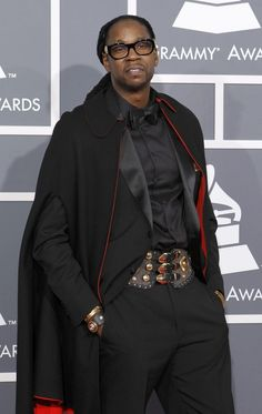 The Dracula man-cape on 2 Chainz doesn't really belong in this mood board but, where else would I put it!?