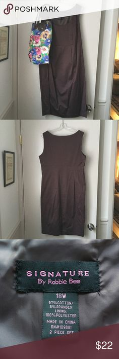 """Signature By Robbie Bee Dress Size 18W Dark Brown Signature By Robbie Bee 🐝 Dress, Size 18W, Dark Brown, gently used. Top of dress is lined, side zip, measures approximately 40"""" from back of neck to hem, 7.5"""" slit up the middle of back. Was part of 2 pc. set, offering dress only in this ad. Throw on a sweater, blazer or scarf and your favorite shoes and you are good to go. Office, meeting or night on the town! 😊👠 Signature by Robbie Bee Dresses Midi"""