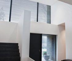 Stínící technika Anse pro soukromé i veřejné objekty - FWDS Europe, a. Bathroom Lighting, Pergola, Mirror, Furniture, Home Decor, Bathroom Light Fittings, Bathroom Vanity Lighting, Decoration Home, Room Decor