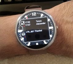 Traveler Watch Face. Unread SMS and Missed Calls information.