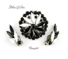 Rhinestone Brooch Delizza Elster Black White Set Vintage Etsy Vintage, Vintage Items, Vintage Jewelry, Layers Design, Vintage Vogue, Vintage Designs, Jewelry Sets, Earring Set, Black And White