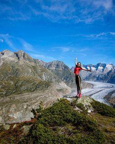 The season of red leaves mellow thermals and pumpkin spice lattes is upon us! Yaaaay! . . . #dragonflyfliesaway #wanderlust #adventure #mountainview #alpsfreeride #outdoorwomen #radgirlslife #wildernessbabes #mountaingirls #mountaingirl #mountainbabes #girlswhoadventure #girlgetoutside #timetofly #unescojungfraualetsch #andshesdopetoo #wanderwomeninc #shewhoexplores #aletscharena #moneteenvalais #mysummerinvalais #valaiswallis #neverstopexploring #ig_wallis #topswitzerlandphoto… Red Leaves, Never Stop Exploring, Pumpkin Spice Latte, Wallis, Girls Life, Get Outside, Mountain View, Wilderness, Wanderlust