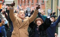 Just how did @CarlyRaeJepsen get Tom Hanks to star in her music video? http://usm.ag/1YM39BK via @HuffPostLive