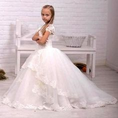 Short Cap Sleeve Ball Gown Flower Girls Dresses for Weddings 2016 Lace Bead Organza Long Train First Communion Dresses for Girls