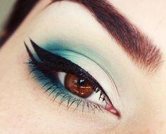 Double Eyeliner with teal eyeshadow #vibrant #smokey #bold #eye #makeup #eyes