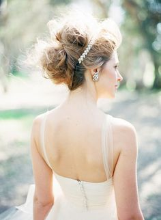 Ashley Kelemen Photography of Southern California brought us this stunning image recently shot in Huntington Beach. Wedding Hair Inspiration, Film Inspiration, Wedding Ideas, Fancy Hairstyles, Wedding Hairstyles, Bridesmaids Hairstyles, California Wedding, Southern California, Lady Grey