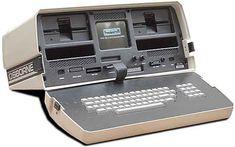 Primul laptop comercial Osbourne 1 a fost lansat în aprilie 1981 de Osbourne Computer Corporation. Ecranul era mic (diagonală de 13 cm), cântărea aproximativ 11 kg şi costa cca. 1.800 de dolari.