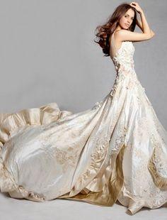 Wedding dresses in Arroyo Grande