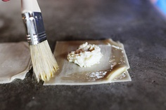 Homemade ravioli using wonton wrappers. can't wait to try this! Wonton Wraps, Wonton Skins, Great Recipes, Favorite Recipes, Yummy Recipes, How To Make Ravioli, Homemade Ravioli, Thing 1, Pasta Dishes