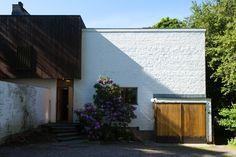 munkkiniemi - aalto house 1 Architecture Old, Architecture Details, Alvar Aalto, Old Building, Helsinki, Minimalism, Brick, Exterior, Places