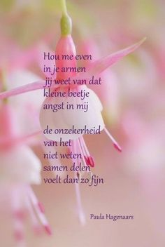 Gedichten Paula Hagenaars Angst Quotes, Wise Quotes, Great Quotes, Funny Quotes, Beautiful Lines, Beautiful Words, Quotations, Qoutes, Dutch Quotes