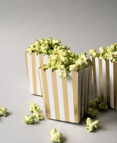 Add a little green spin to your stovetop popcorn with this matcha (green tea) recipe!