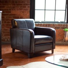 Hayneedle $376  Maxon Leather Club Chair Item#: HN-AA001