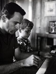 Jack Lemmon and son Chris at the piano.  ADORABLE. Classic Hollywood Icons at home 1950s 1960s Hollywood