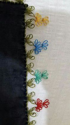 This Pin was discovered by Hül Hand Embroidery Stitches, Crewel Embroidery, Embroidery Designs, Needle Lace, Bobbin Lace, Lacemaking, Moda Emo, Bargello, Knitted Shawls