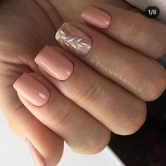 30 Most Cutest and Trendy Nails Design with Light Color for Autumn and Winter (^///^) ♥ 𝕷𝖎𝖌𝖍𝖙 𝕹𝖆𝖎𝖑𝖘 𝕯𝖊𝖘𝖎𝖌𝖓 ♥ ♥ ♥ ♥ ♥ ♥ ♥♥ . Hope you love these collection! Light Colored Nails, Light Nails, Dark Color Nails, Hair And Nails, My Nails, Elegant Nail Art, Nagel Gel, Stylish Nails, Trendy Nails 2019