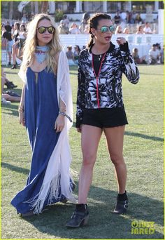 Lea Michele Wears Workout Gear at Coachella 2016 with Becca Tobin | Photo 958196 - Photo Gallery | Just Jared Jr.