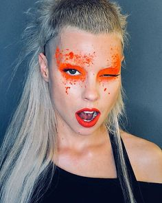 You can't say she isn't dedicated! Yet another Yolandi from Die Antwoord. Die Antwoord, Yolandi Visser, Sixteen Jones, Rave Makeup, Star Makeup, Body Shots, Festival Makeup, Just Girl Things, War Paint