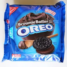 Should You Pick Up a Bag of Oreos New Brownie Batter Flavor? - Ewww Meme - Brownie Batter Oreos Release Date Weird Oreo Flavors, Pop Tart Flavors, Cookie Flavors, Oreos, Bolo Hello Kitty, Snack Recipes, Dessert Recipes, Festina, Junk Food Snacks