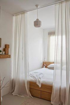 rideau long blanc pour entourer le lit, cloison amovible atelier