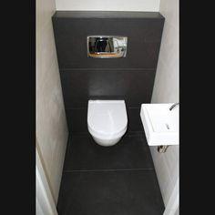Toilet met vloertegels 45x90 superstrak design en vierkant fonteintje