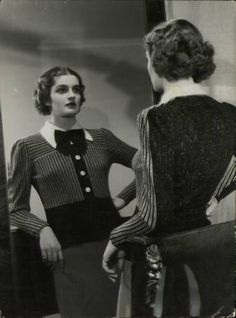 I love vintage fashion photos like this which show you the front and back views of a garment in the same image. #vintage #1930s #fashion