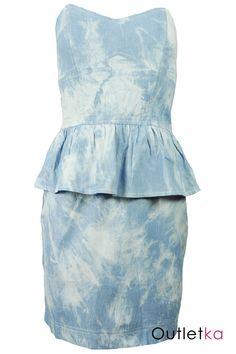Nowa sukienka firmy Rare dla Asos w odcieniu jasnego jeansu (mozajka biało-niebieska). Sukienka w biuście posiada fiszbiny. Od pasa posiada wszytą modną falbankę. Sukienka ołówkowa, dopasowana. Posiada odpinane ramiączka oraz z tyłu kryty zamek. Z kompletem firmowych metek Rare.