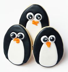 Worth Pinning: Penguin Sugar Cookies - OVAL COOKIES