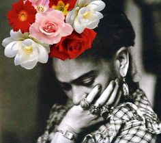 Frida Khalo with flowers Graphic Design Inspiration, Creative Inspiration, Roman And Williams, Frida And Diego, Diego Rivera, Museum, Make Art, Love People, Digital Collage