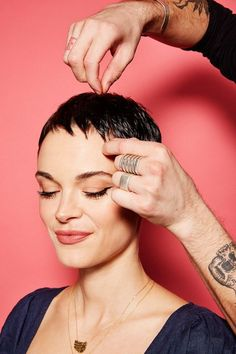 Cool LA Haircuts, Sal Salcedo Hair Styling Tutorial THIS is how to style six of L.'s most popular haircuts. Fringe Hairstyles, Undercut Hairstyles, Trending Hairstyles, Pixie Hairstyles, Short Pixie Haircuts, Short Hair Cuts, Really Short Haircuts, Pixie Cuts, Super Short Hair