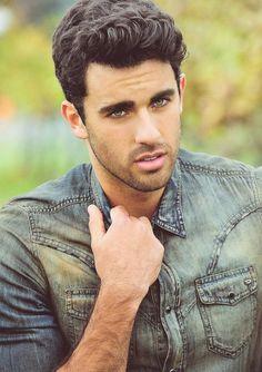 El 3er hombre más guapo del mundo es mexicano