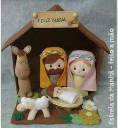 Christmas Origami, Christmas Fabric, Felt Christmas, Felt Ornaments, Diy Christmas Ornaments, Christmas Projects, Felt Diy, Felt Crafts, Arts And Crafts Projects